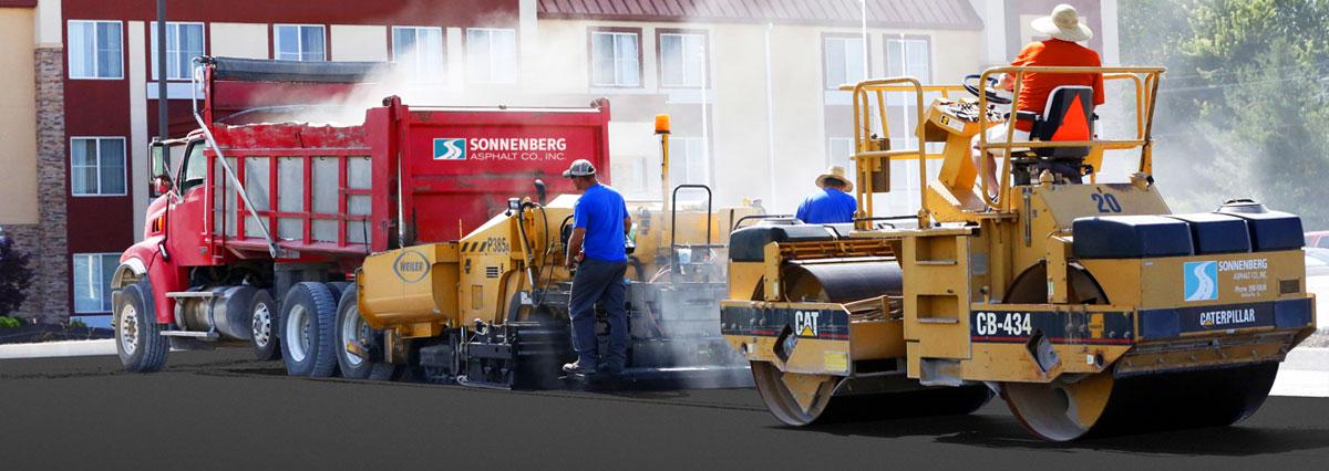 http://sonnenbergasphalt.com/wp-content/uploads/2016/06/asphalt-home-slide1.jpg